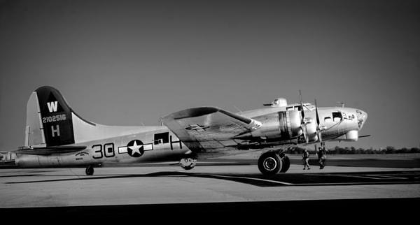 WW2 B-17 Warbird Side View Bomber Restored Aircraft fleblanc