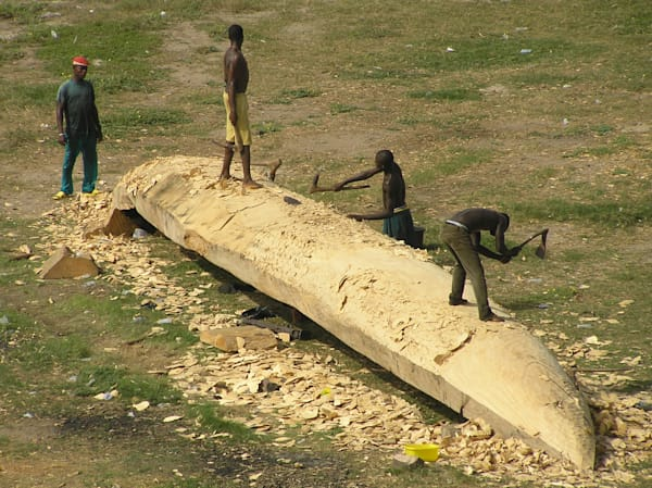 From Tree to Handcarved Boat