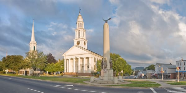 Broad Street Meriden Churches and War Memorial