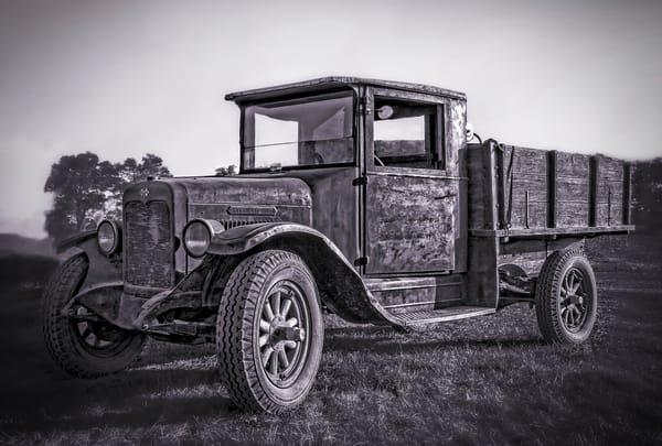 International Harvester Vintage Farm Truck Black & White fleblanc