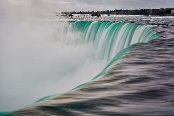 Beautiful Fine Art Paintings and Photographs by Vivian Lo – Picture of the Raging Power of Nature - Niagara Falls. Originals and Prints for sale - VLo Photo