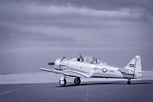 Texan AT-6/T-6 Trainer WW2 Departure Restored Military fleblanc