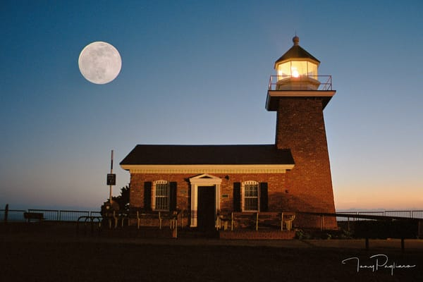 Abbot Memorial Lighthouse And Moon Art | Tony Pagliaro Gallery