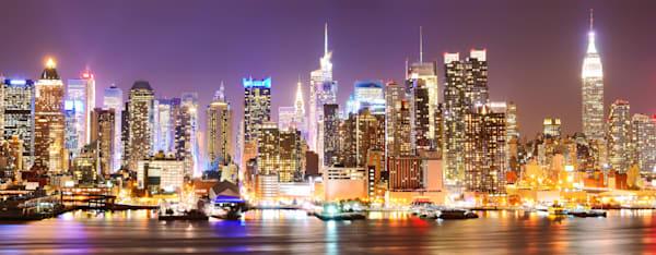 Manhattan Skyline at Night. - DPC_84613900
