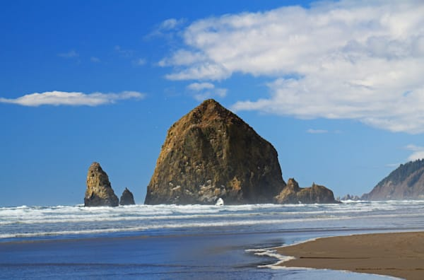 Haystack Rock at Canon Beach Oregon