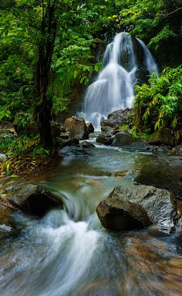 Luakaha Falls