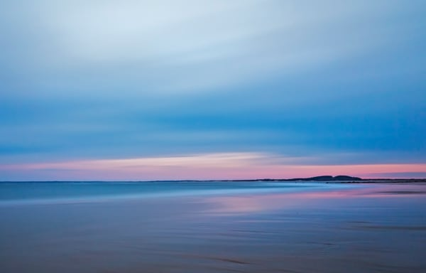 An Ogunquit Blue Hour photo with pastel pinks