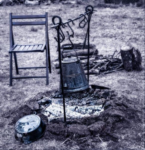 Civil War Encampment Fire Black+White| Realistic Historic fleblanc