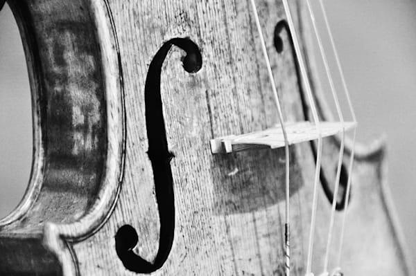 Music XIX (Stradivari)