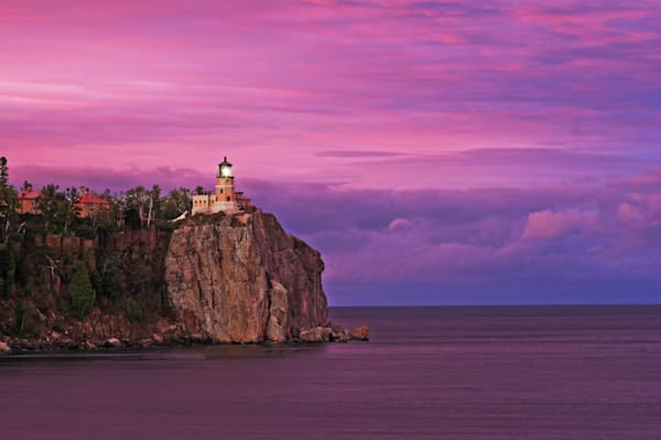 Split Rock Lighthouse State Park - Lighthouse Art | William Drew