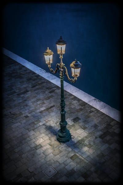 321 Landscape photographer Giudecca Venice Italy Lamp on Lagoon promenade
