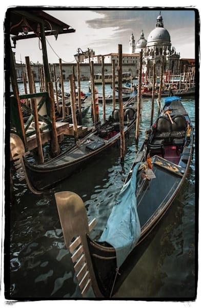 326 Landscape photographer Venice Italy Gondolas at Chiesa Della Madonna Della Salute2