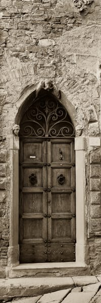 La Porta Via, Cortona