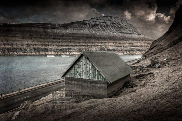 275 Faroe Islands Vestmanna Shepherd hut