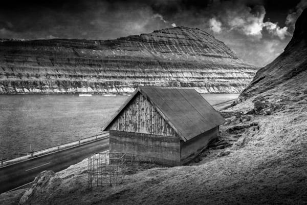 277 Faroe Islands Vestmanna Shepherd hutBW