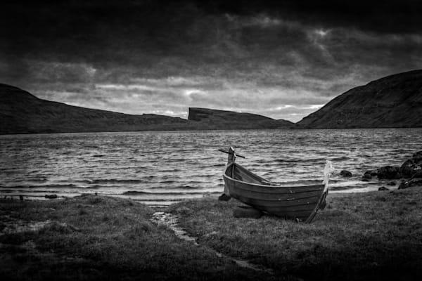 278 Faroe Islands Fishing boat Lake Vatnsoyrarbw