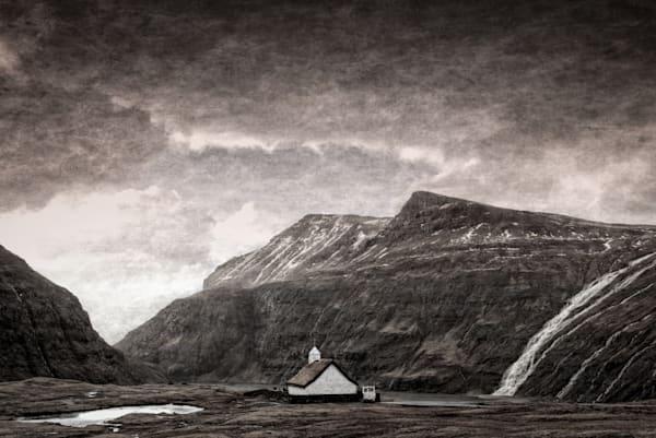 300 Faroe Islands Saksun Church2a