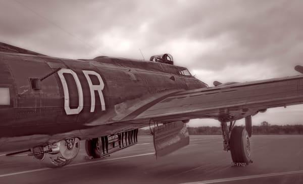 B-17 Bomber WW2 Warbird Allied Vintage Monochrome fleblanc