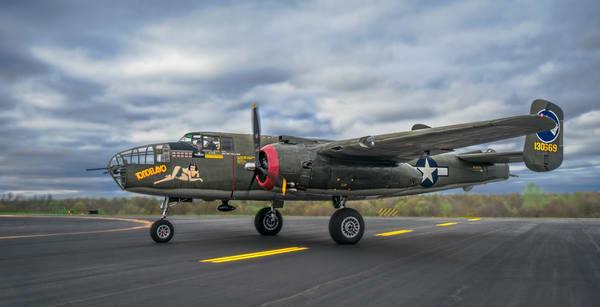 B-25 Mitchell WW2 USAF WW2 Bomber Fighter Tondelayo fleblanc