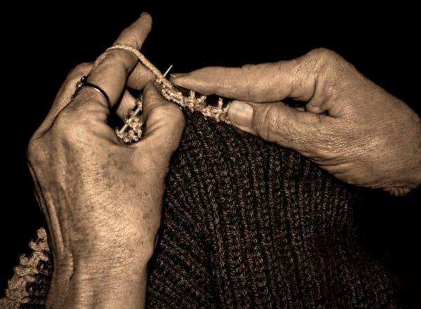Knitting Hands, d'Ellis Photographic Art photographs, Bill