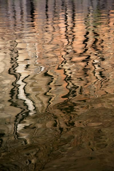 Photograph of columnar basalt reflection in the John Day River