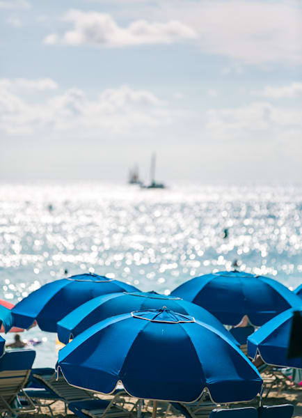 Hawaii umbrellas and boats photo for sale | Barb Gonzalez Photography