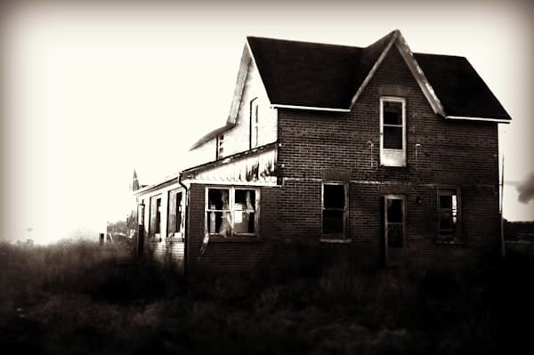 Black & white rural decay photograph of an abandoned farmhouse in rural Ontario, for sale as fine art by Sage & Balm