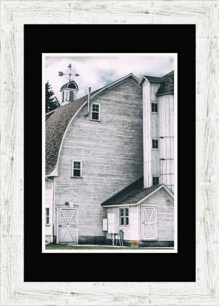 Dahmen Barn (171751BFND8) Photograph for Sale as Framed Fine Art Paper Print