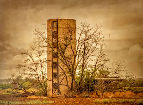 Fine Art Photographs, Abandoned Silo | d'Ellis PhotographicArt by Bill
