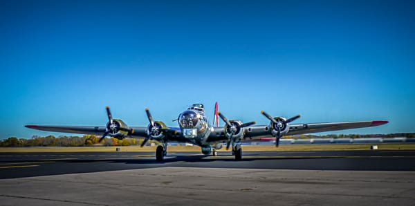 Boeing B-17 Flying Fortress WW2 Bomber Restored Bomber fleblanc