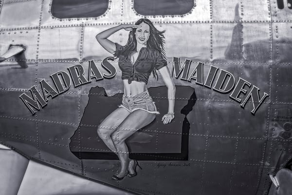 Black and White WW2 B-17 Flying Fortress Madras Maiden fleblanc