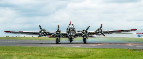 B-17 Flying Fortress Madras Maiden Front  Flying Fortress fleblanc