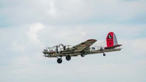 B-17 Flying Fortress Madras Maiden In The Air WW2 Bomber fleblanc