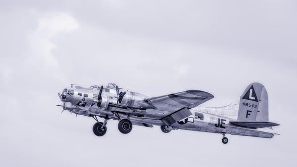 B-17 Flying Fortress Madras Maiden Flying Restored Vintage fleblanc