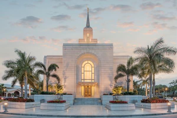 San Salvador El Salvador Temple - Bienvenido