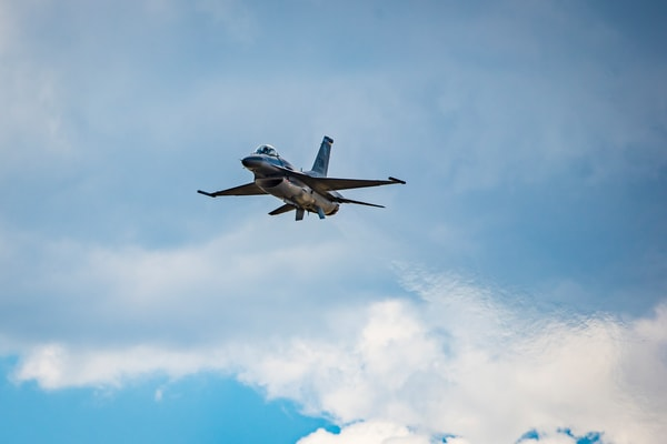 Photo Air Force F-16 Viper Flyby Colorado Airshow Engine Exhaust Heat Trails