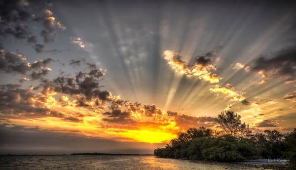 A spectacular photographic sunrise from Tampa Bay.