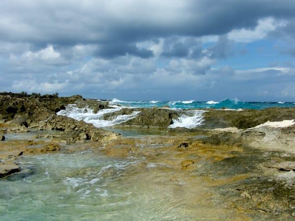 Bahama Rocky Waves