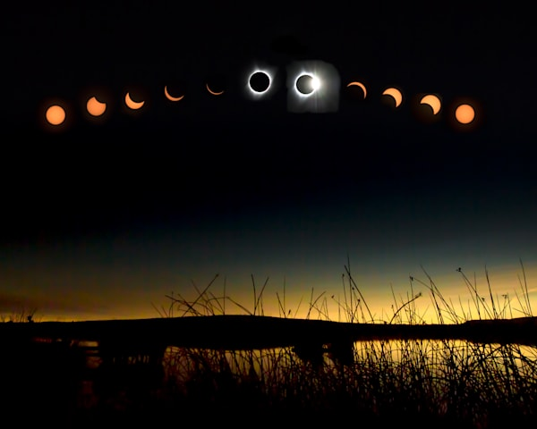 2107-Eclipse-Composit-over-lake