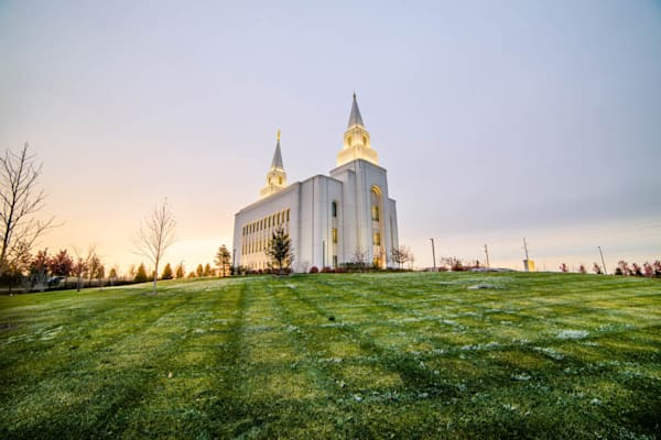 Kansas City Temple - Sunrise over Lawn