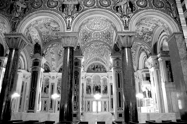 Image of side section in black and white of the Cathedral Basilica, St. Louis.