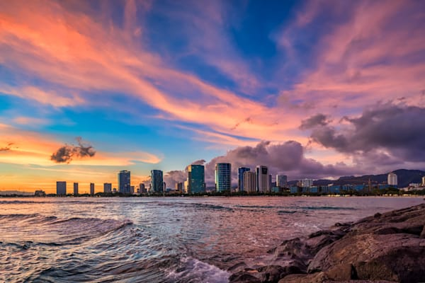 Hawaii Photography | Colorful Skies of Kakaako by Peter Tang