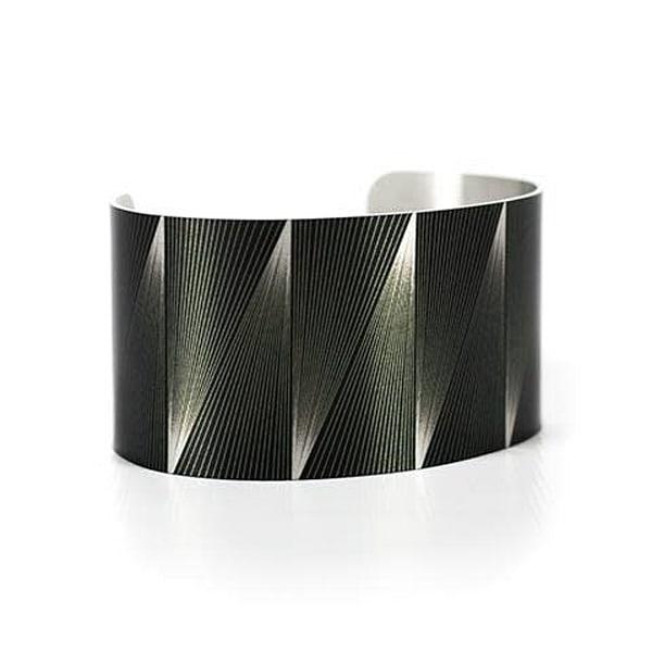 Caroline Geys | Isosceles Vortex Cuff Bracelet | Digital Art