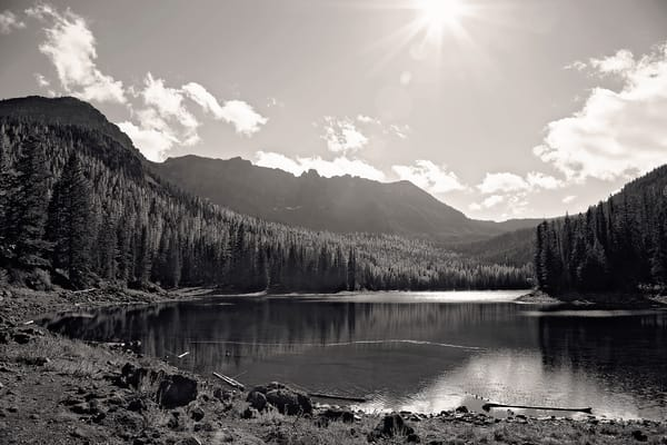 An image of Strawberry Lake within Strawberry Mountain Wilderness in black & white.