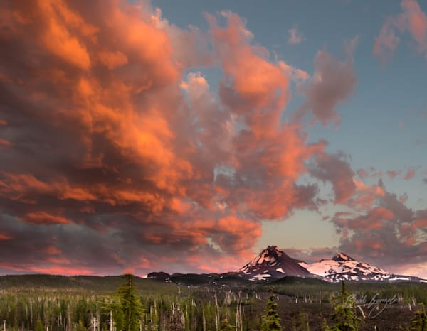 Pink cloud sunset over three sisters peaks photo for sale  Barb Gonzalez Photography