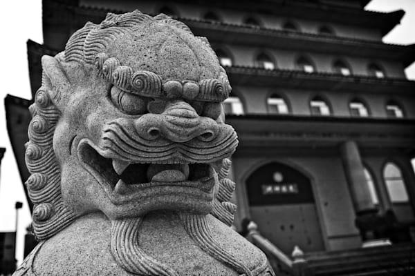 Ten Thousand Buddha s Chinese Shíshī Guardian Lion