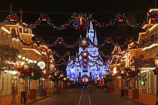 Magic Kingdom at Christmas - Disney Art Gallery | William Drew