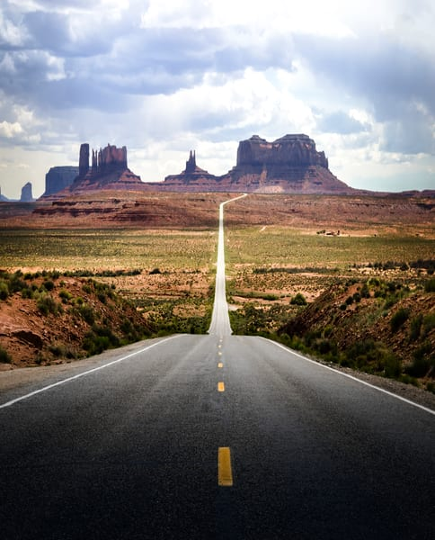 Iconic Rt 163 Heading Toward Monument Valley