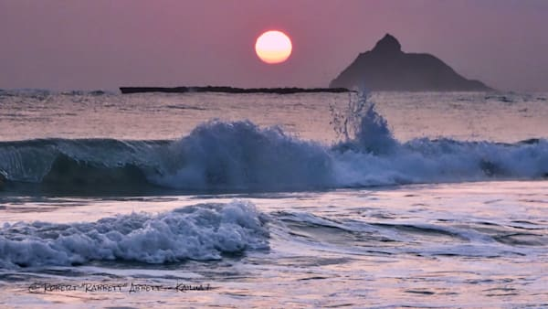 sacred islets - gorgeous imagery from a guy who loves Kailua and Kailua beach from Robert Abbett Art