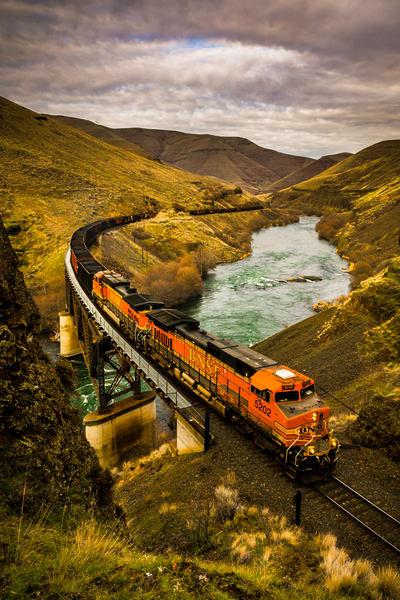 Deschutes River Train Over Lower Trestle
